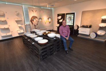 Arne Korsbakken en el showroom de la empresa